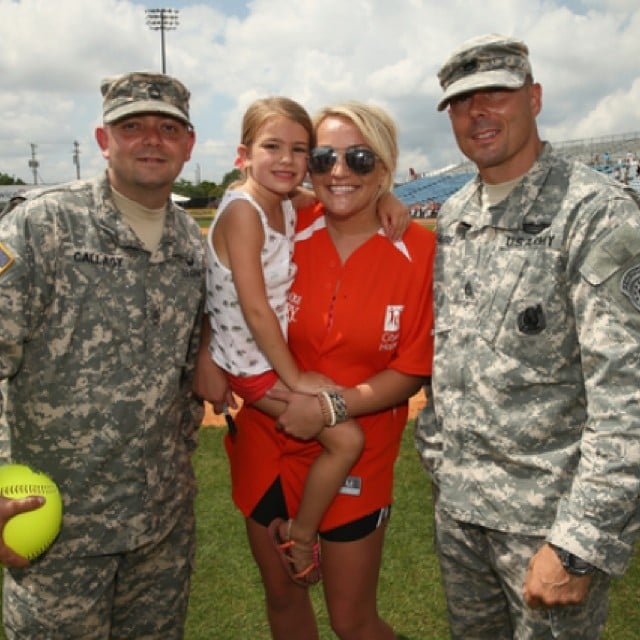 Jamie Lynn Spears and her daughter, Maddie, posed with some of the troops. Source: Instagram user jamielynnspears