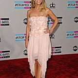 Suburgatory's Cheryl Hines looked pretty in pink.