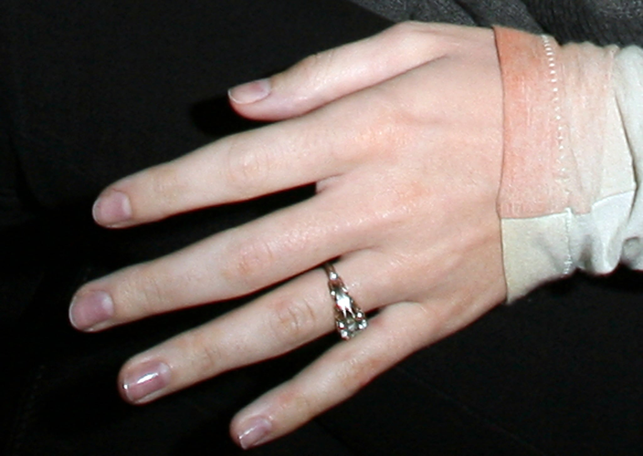 photos of katy perry s engagement ring from brand