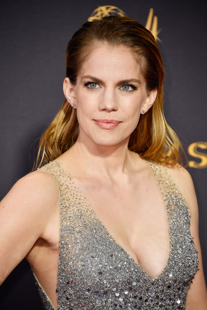 anna chlumsky movies and tv shows slicked back hair emmys 2017 popsugar australia 30630