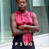 Viola Davis showed off her arm muscles while waiting for cameras to start rolling.