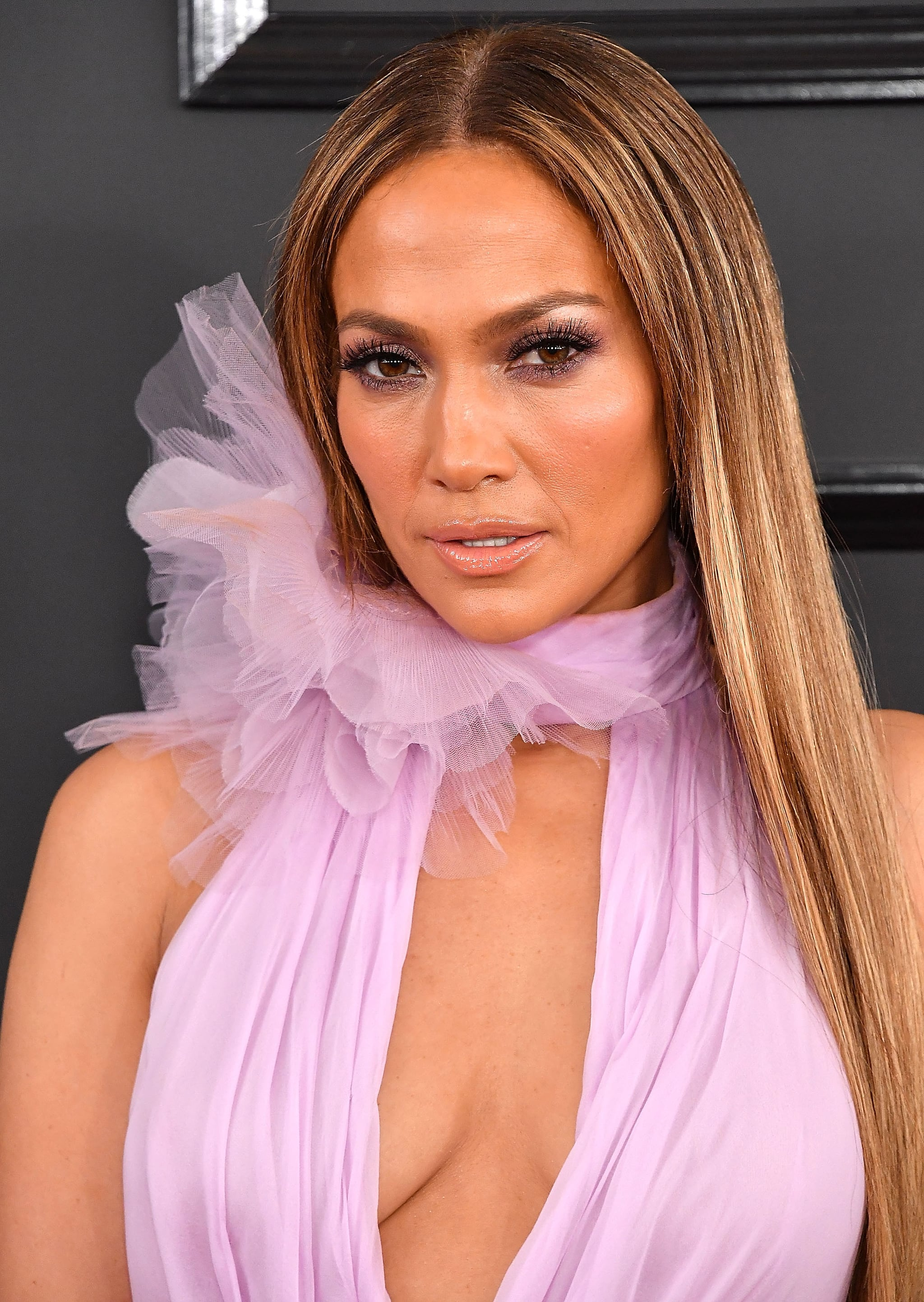 LOS ANGELES, CA - FEBRUARY 12:  Jennifer Lopez arrives at the 59th GRAMMY Awards on February 12, 2017 in Los Angeles, California.  (Photo by Steve Granitz/WireImage)