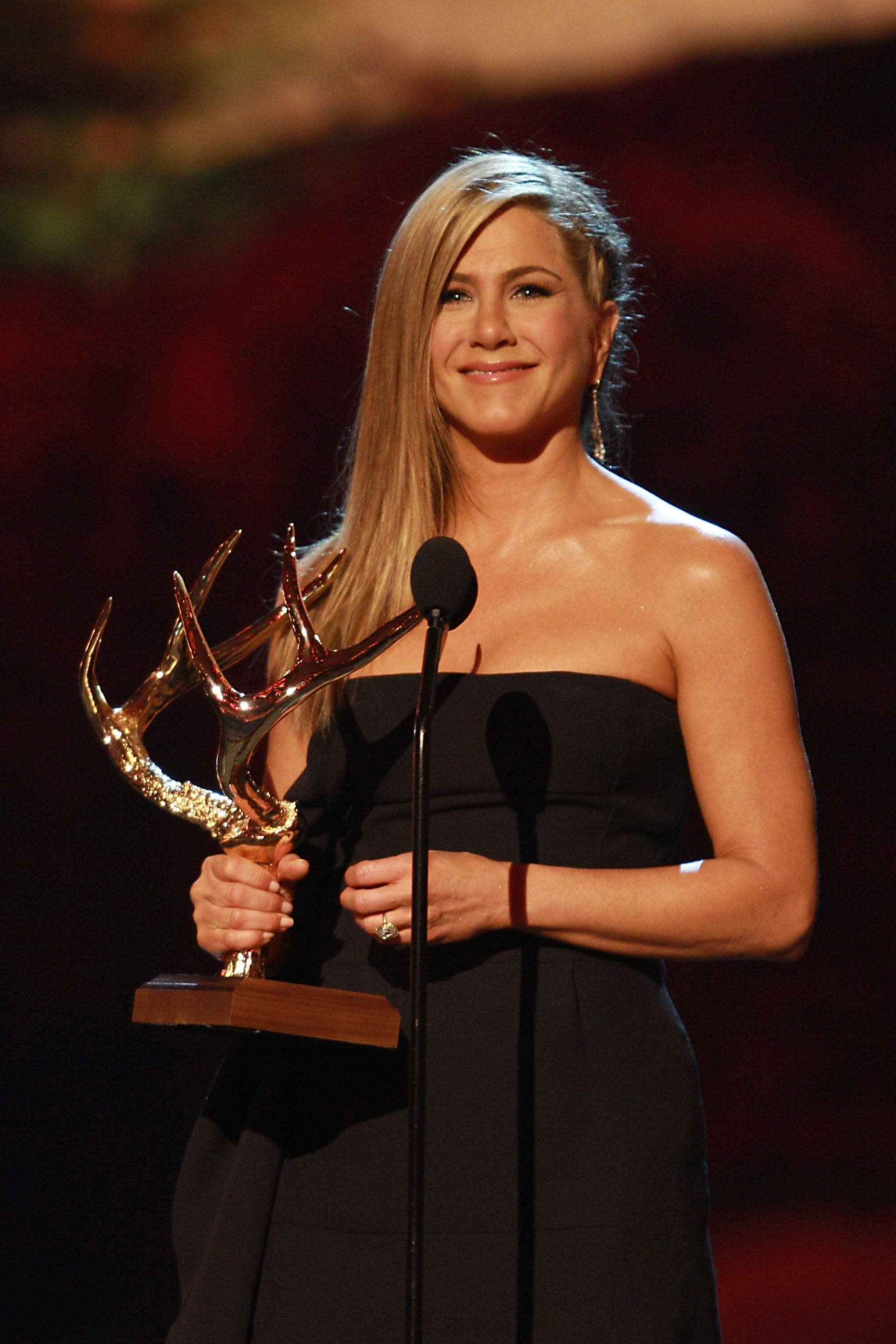 It's been a while since we've spotted Jennifer Aniston in a braid — perhaps not since her famous headband braid at 2009's Oscars — but fast-forward four years to the Guys Choice Awards, and here's Jennifer rocking a scalp-hugging side plait.
