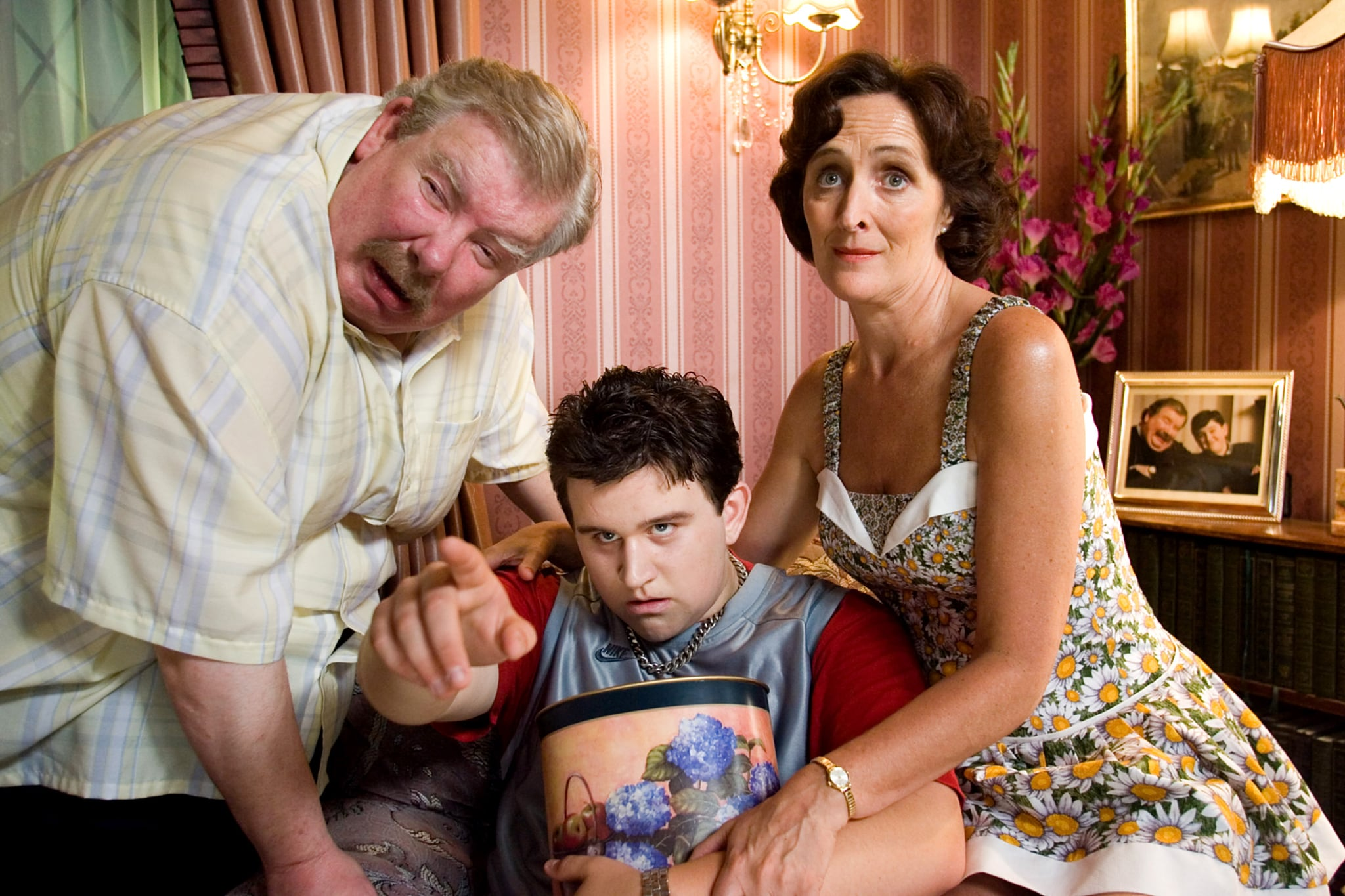 HARRY POTTER AND THE ORDER OF THE PHOENIX, from left: Richard Griffiths, Harry Melling, Fiona Shaw, 2007. Warner Bros./courtesy Everett Collection