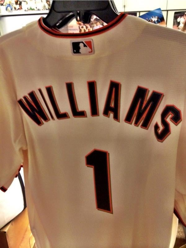 """The Giants tweeted a picture of a custom jersey, writing, """"Tonight we honor our dear friend Robin Williams during pregame #SFGiants."""""""