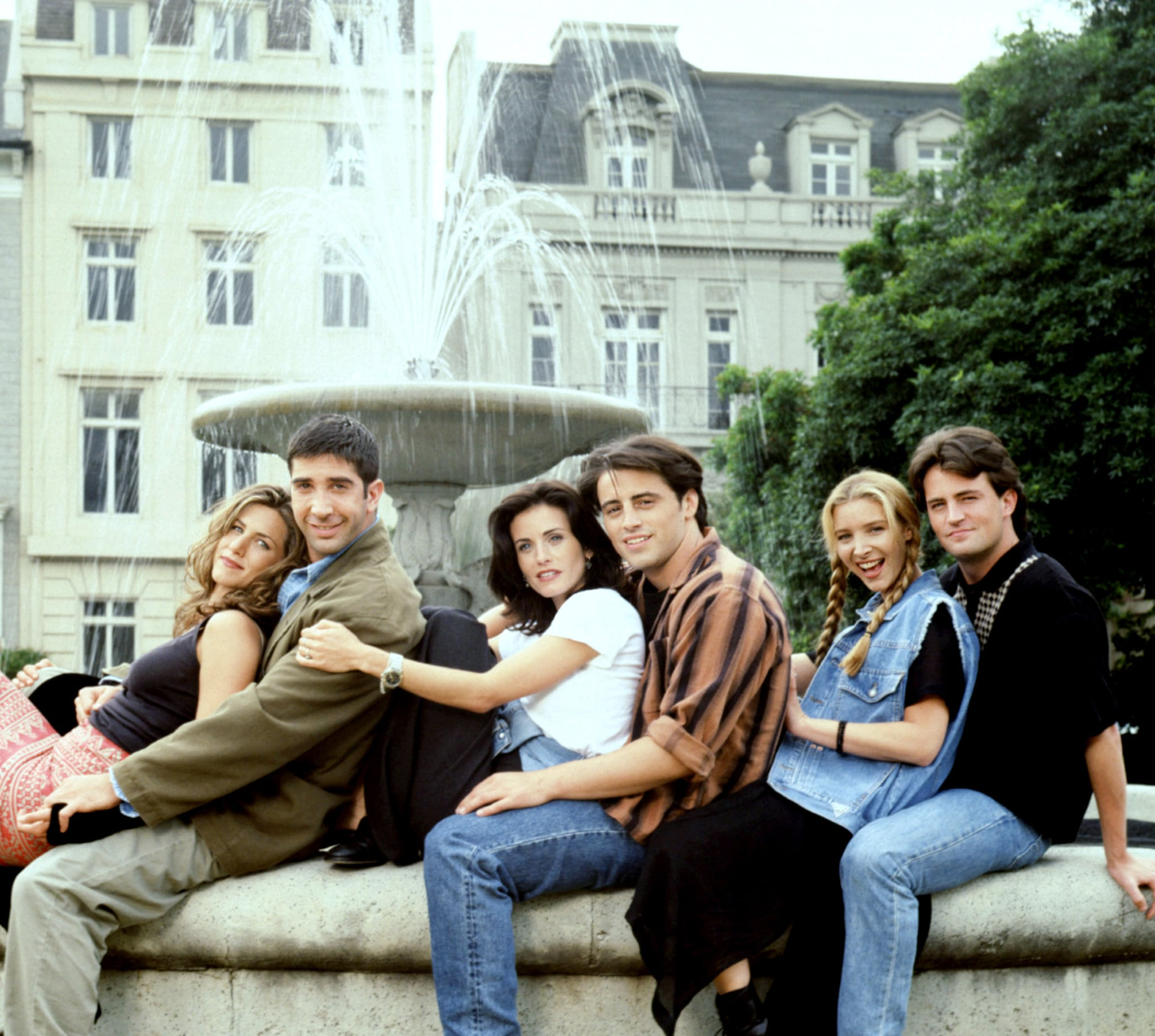 FRIENDS, Jennifer Aniston, David Schwimmer, Courteney Cox Arquette, Matt LeBlanc, Lisa Kudrow, Matthew Perry, (Season 1), 1994-2004,  Warner Bros. / Courtesy: Everett Collection