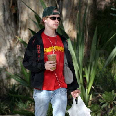 Macaulay Culkin Wears a Hulkmania Shirt