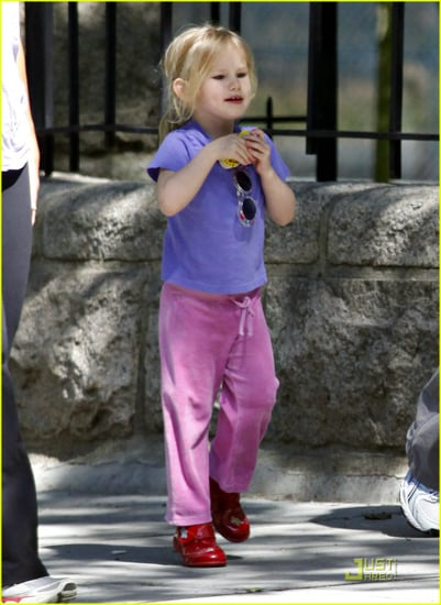 Jennifer Garner and Violet are sunglasses lovely
