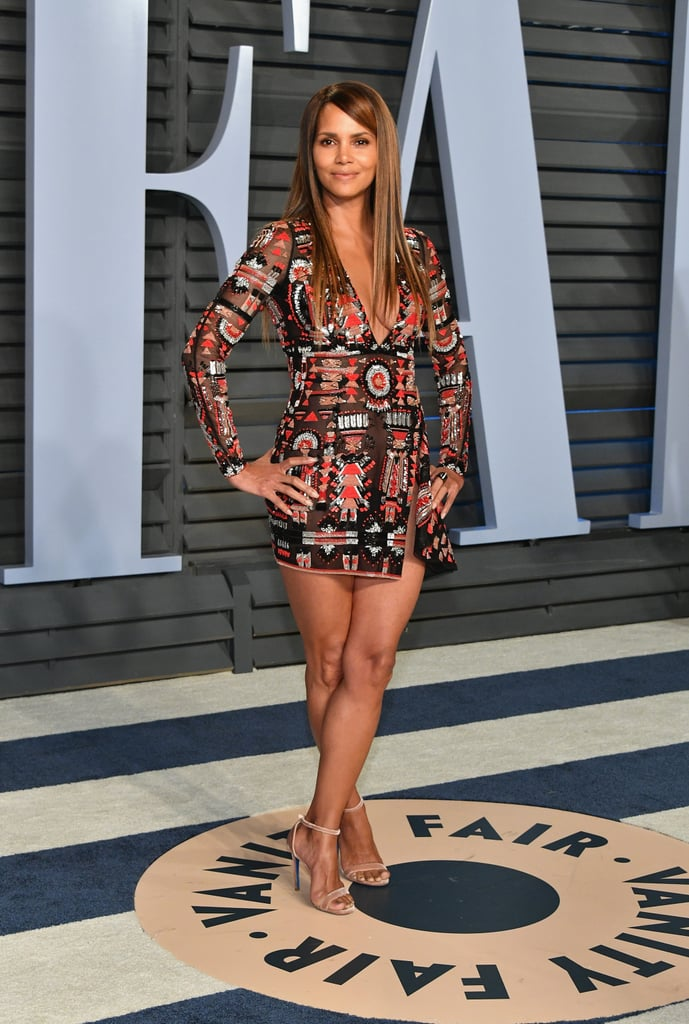 She showed off her legs in a sexy minidress by Zuhair Murad at the 2018 Vanity Fair Oscars afterparty.