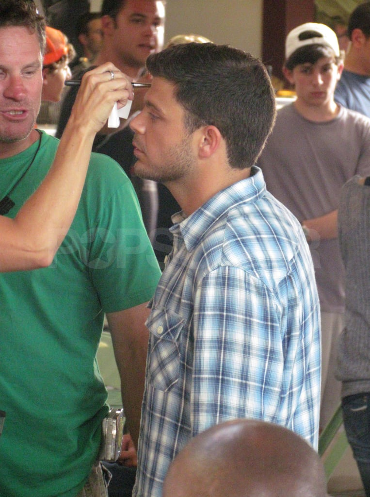 Jerry Ferrara Debuts a Slim New Look on the Entourage Set With Kevin Connolly and Emmanuelle Chriqui