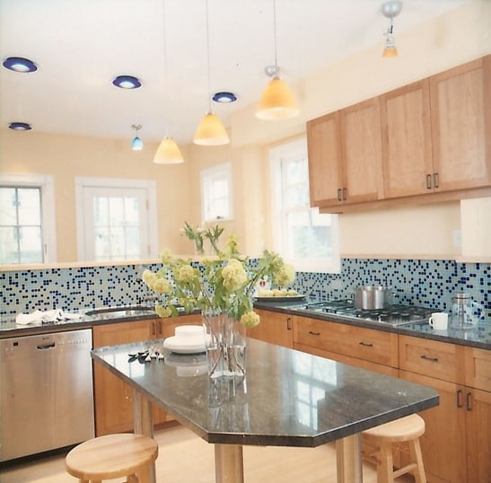 Before and After: Updating a '70s-Style Kitchen