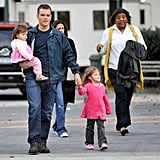 Photos of Matt Damon and His Kids on Set 2009-10-26 08:37:00