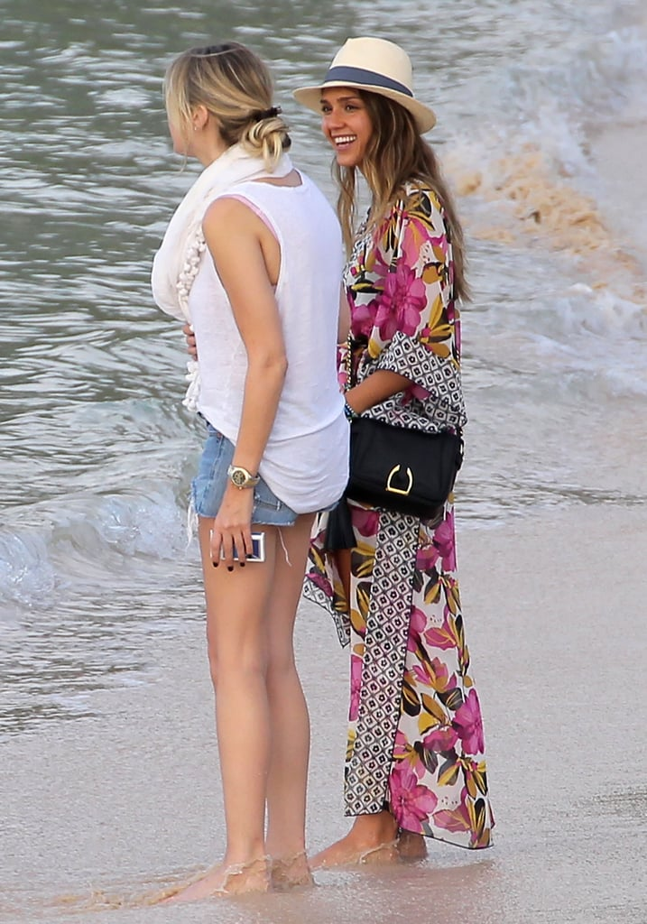 Jessica Alba chatted with a friend.