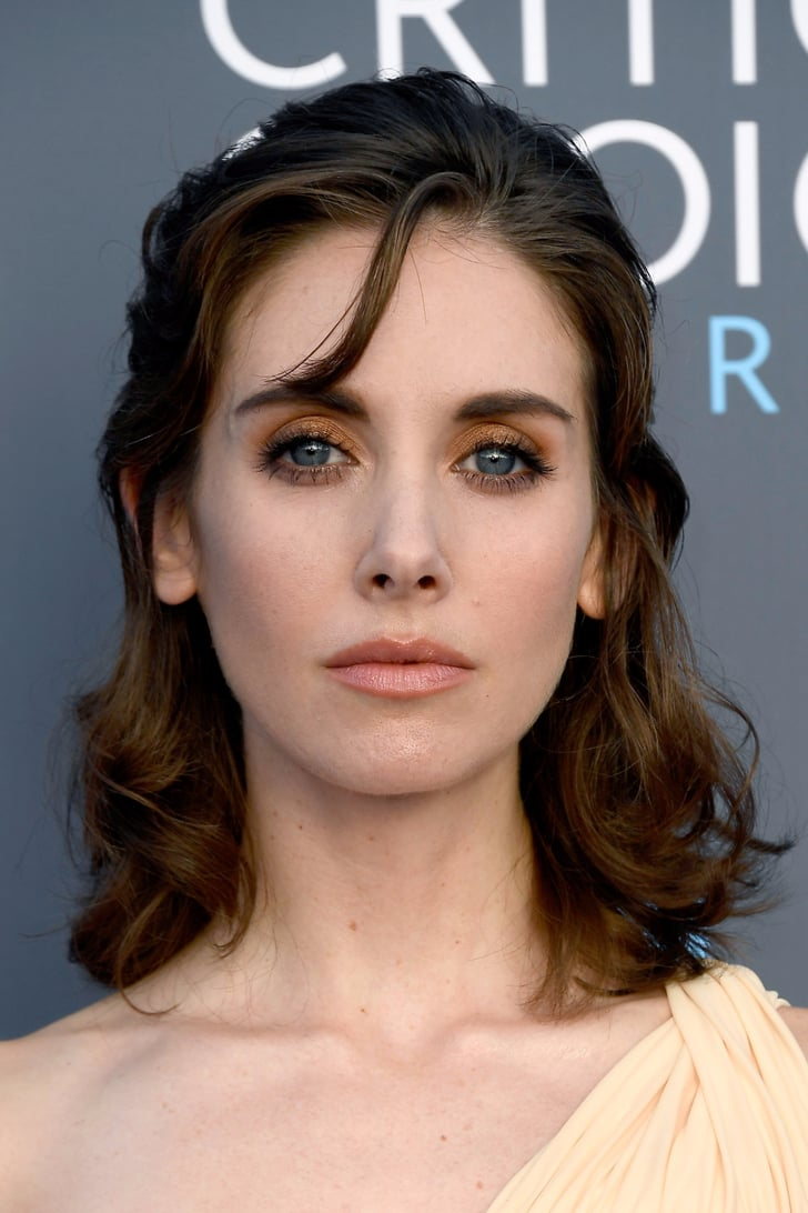 Alison Brie S Hair And Makeup At 2018 Critics Choice
