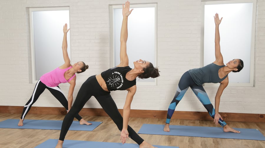 A 30-Minute Power Yoga Flow For Tight Abs (and Toned Legs!)