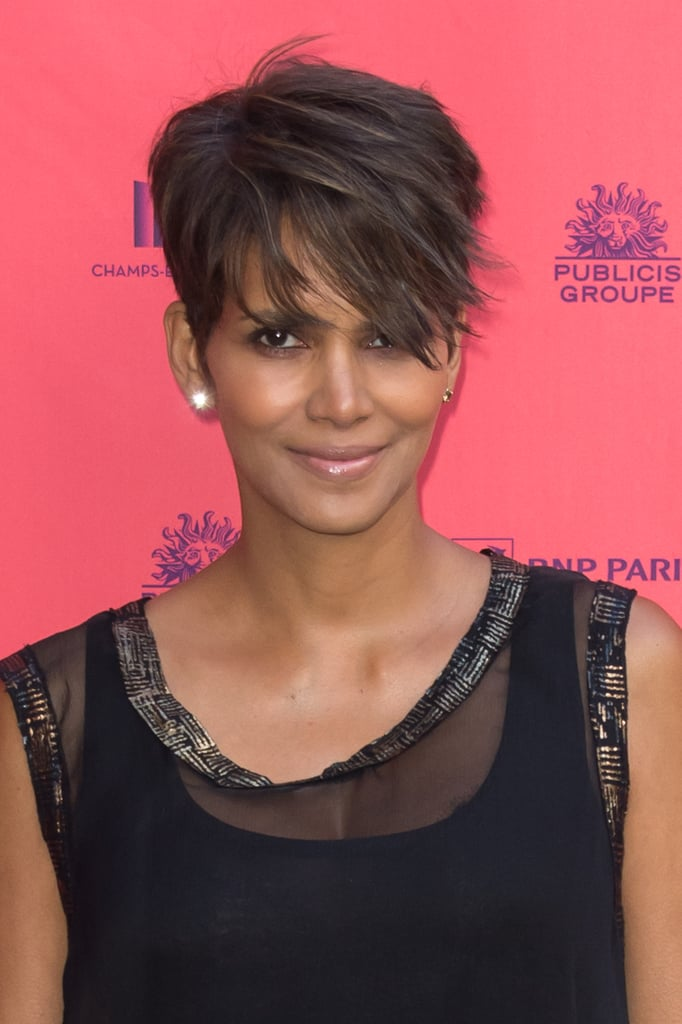 Another straight pixie cut, courtesy of Halle Berry.