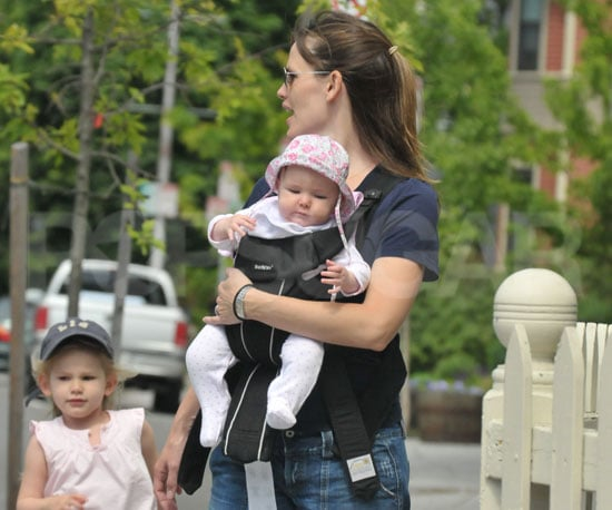 Photo Slide of Jennifer Garner with Seraphina and Violet Affleck in Boston
