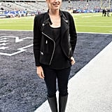 Jennifer Garner stood in the end zone at the big game.