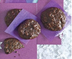 Recipe Review: Flourless Chocolate-Walnut Cookies From Self