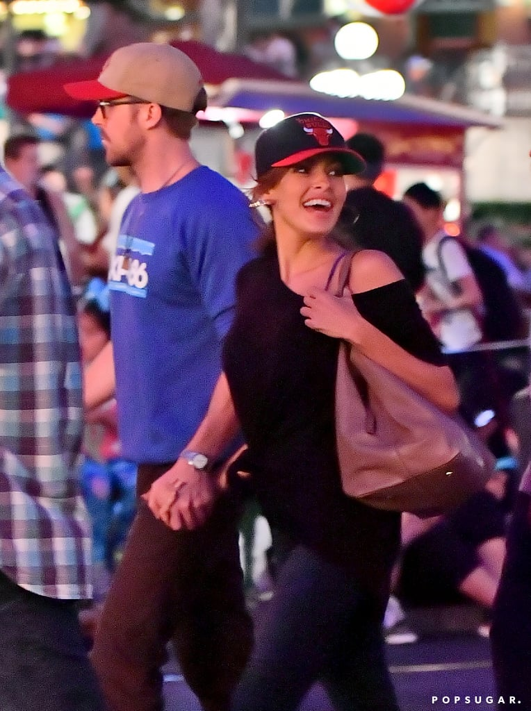 Couples - Page 5 Ryan-Gosling-Eva-Mendes-Disneyland-August-2017