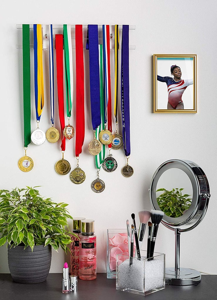 "Pretty Display ""Invisible"" Medal Hanger"