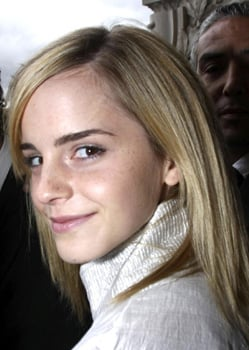 Photo of Actress Emma Watson Front Row Beauty at Cahenl Show. Paris Fashion Week Spring Summer 2009. Love or Hate Her Fresh Look