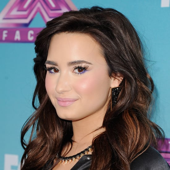 How to Wear Coloured Eyeliner Like Demi Lovato