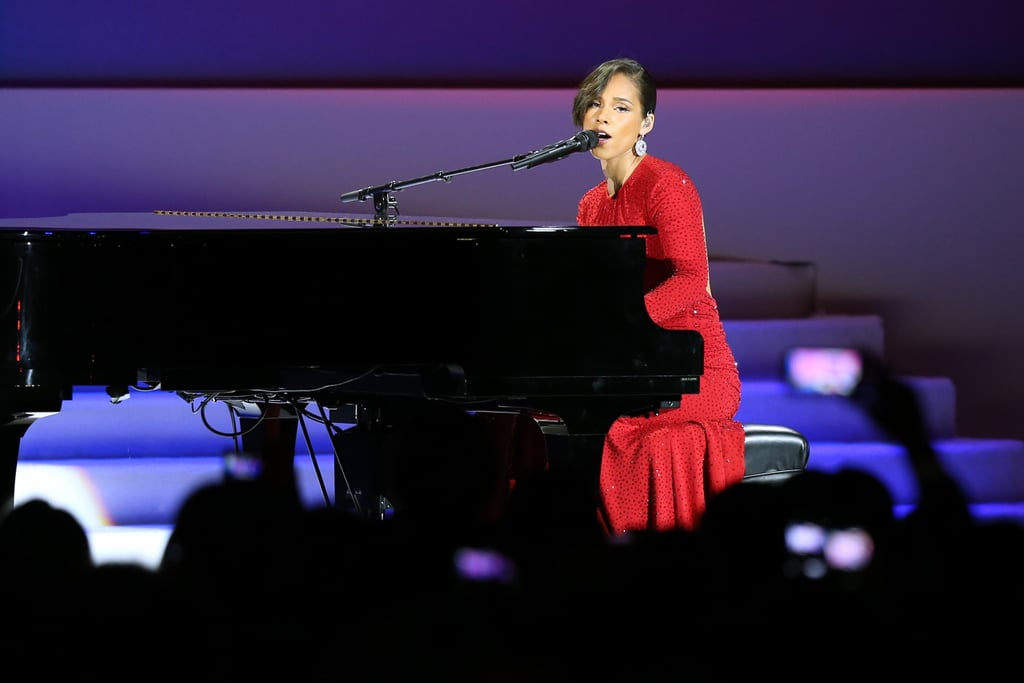 Alicia looked amazing as she performed for captive audience at the inaugural ball.