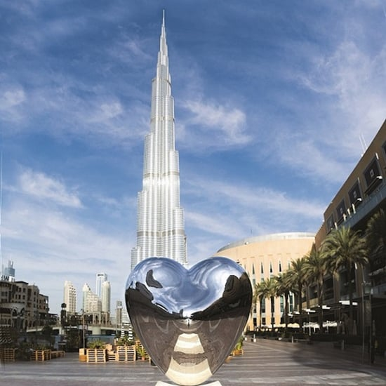 "Dubai Mall Richard Hudson's ""Love Me"" Sculpture"
