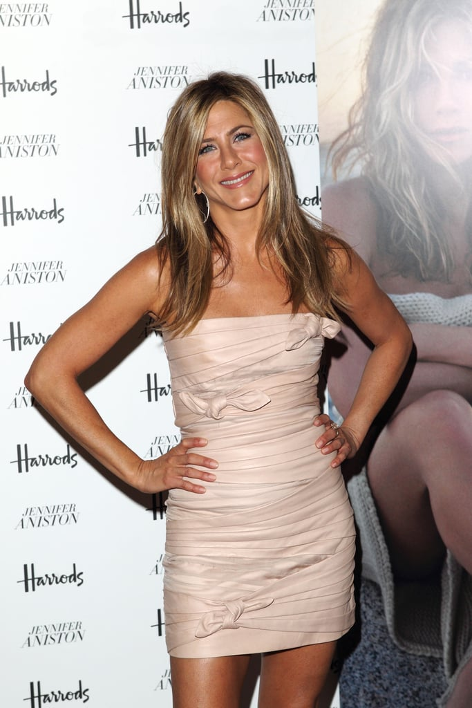 These Jennifer Aniston Photos Are So Hot, You Might Actually Think You're on Fire