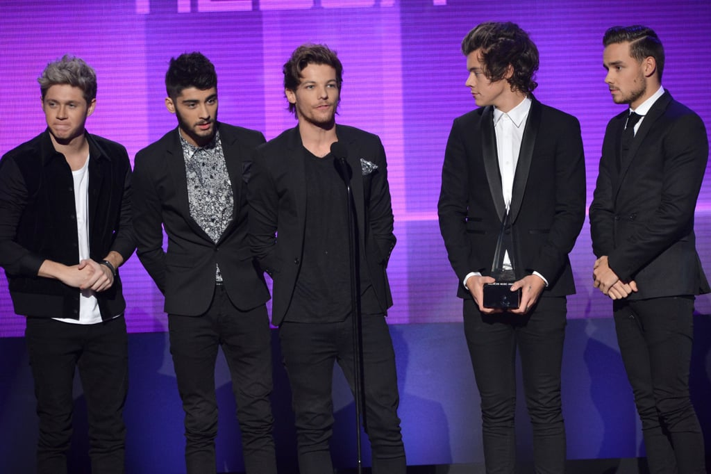 One Direction accepted an award at the 2013 American Music Awards.