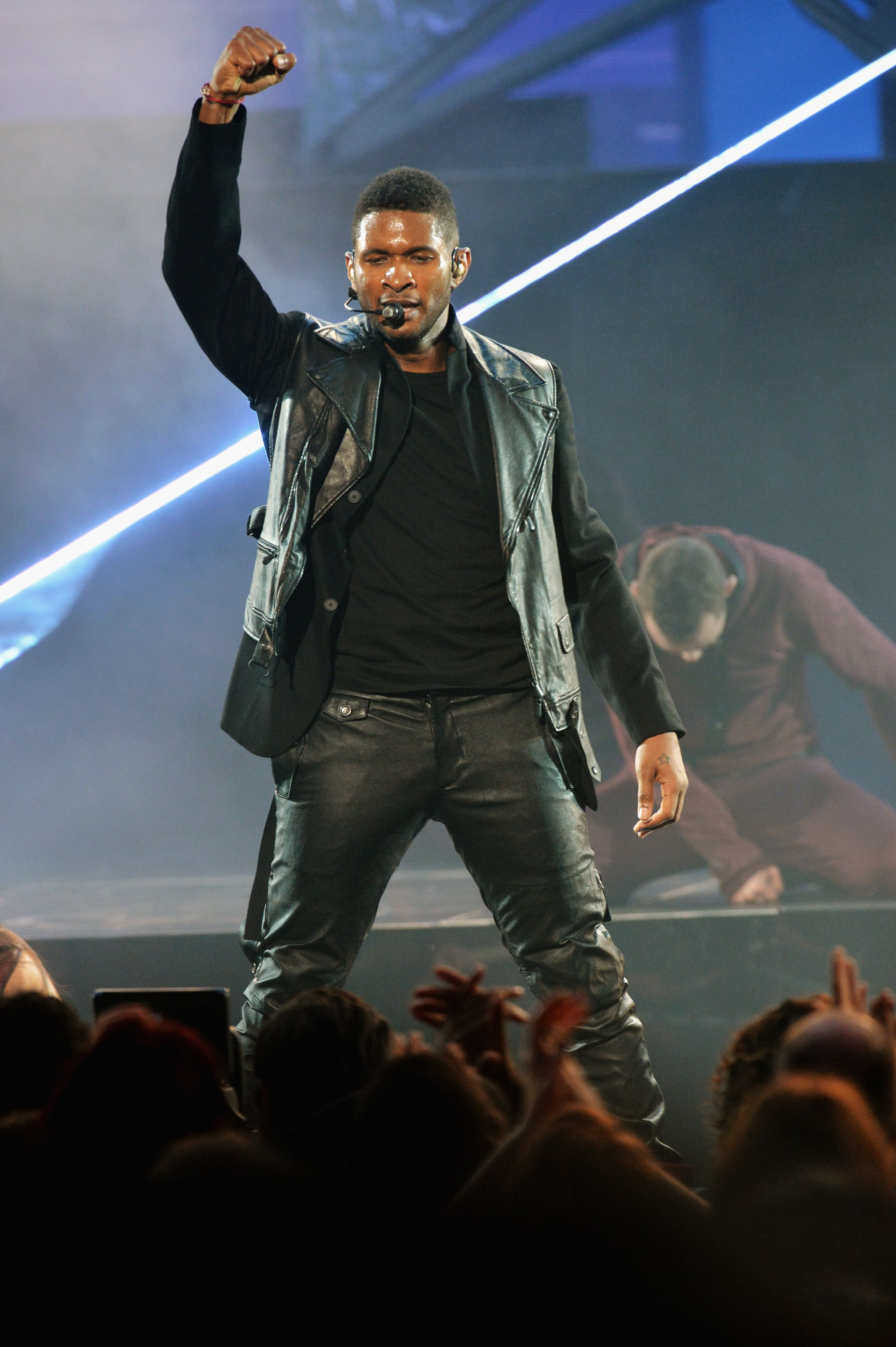 Usher wore black to perform at the awards in LA.