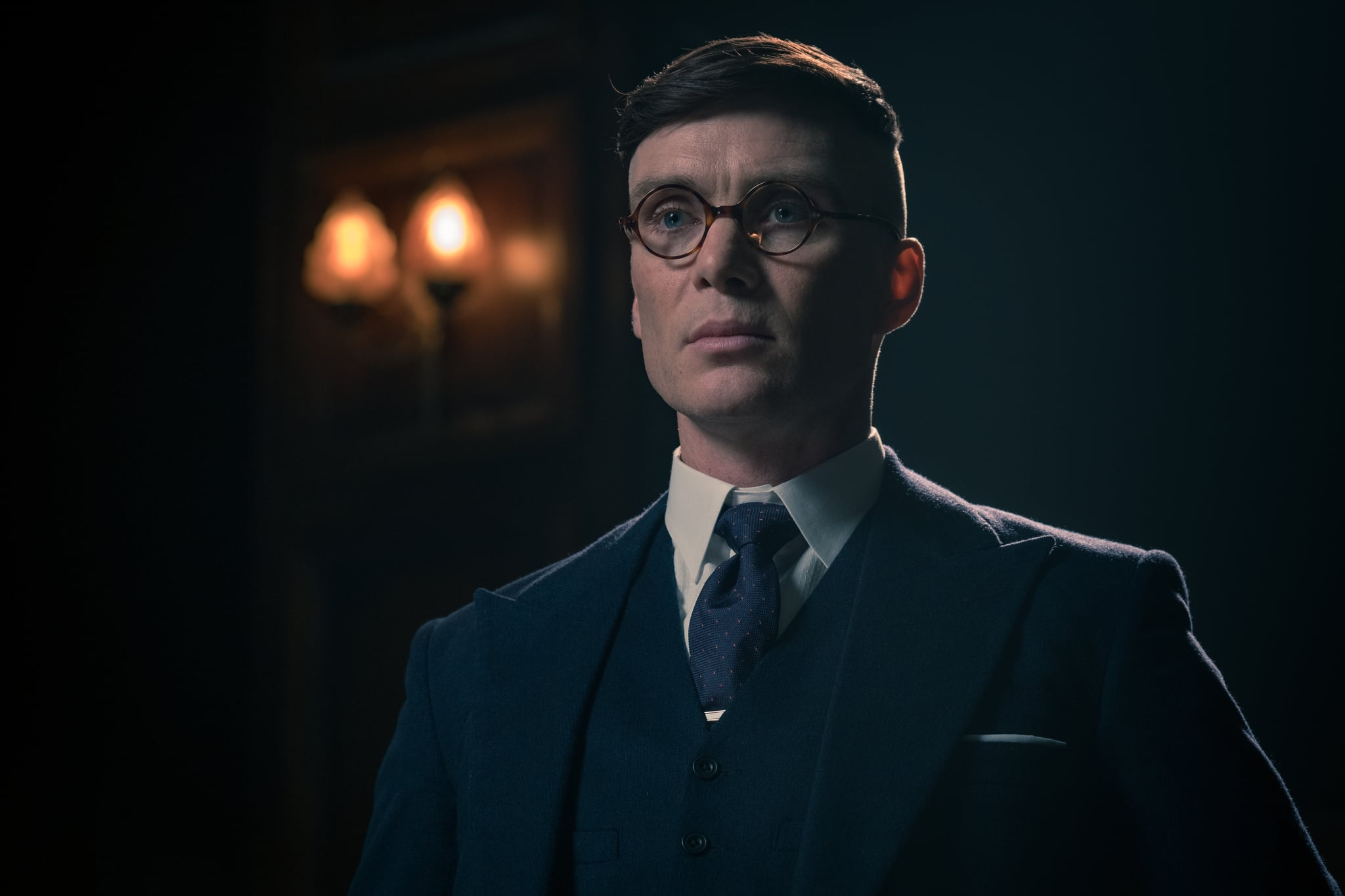 Cillian Murphy (Tommy Shelby) in Peaky Blinders | Series 5 (BBC One) | Episode 04Photographer: Matt Squire Caryn Mandabach Productions Ltd. 2019