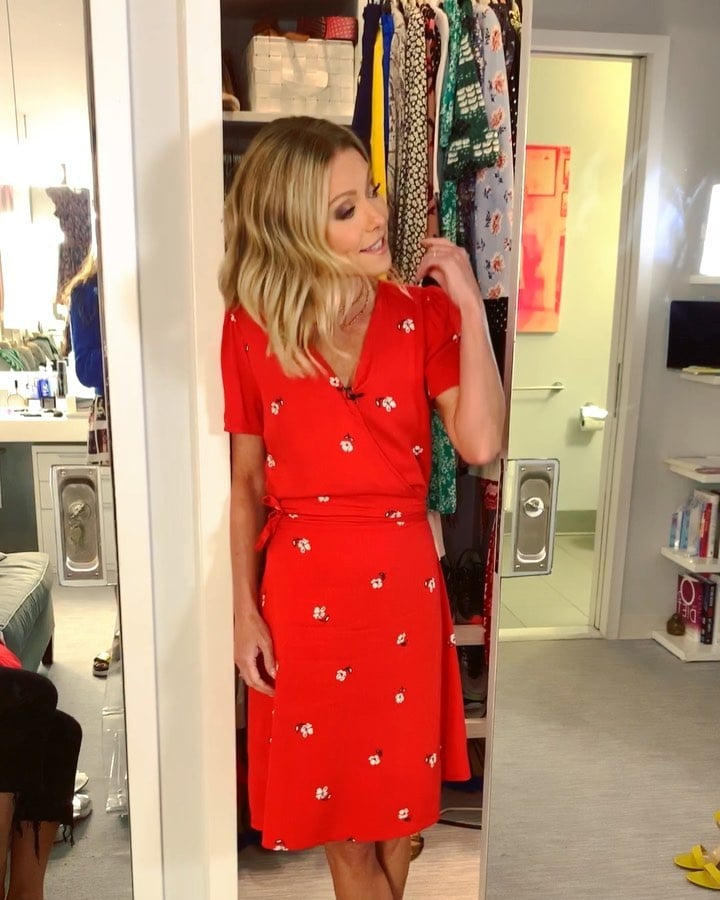 """The $36 Dress Kelly Ripa Says Is """"Very Cute,"""" """"Wearable,"""" and """"Adorbs"""""""