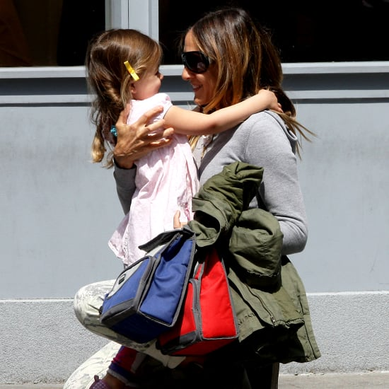 Sarah Jessica Parker Hugging Her Daughters   Pictures