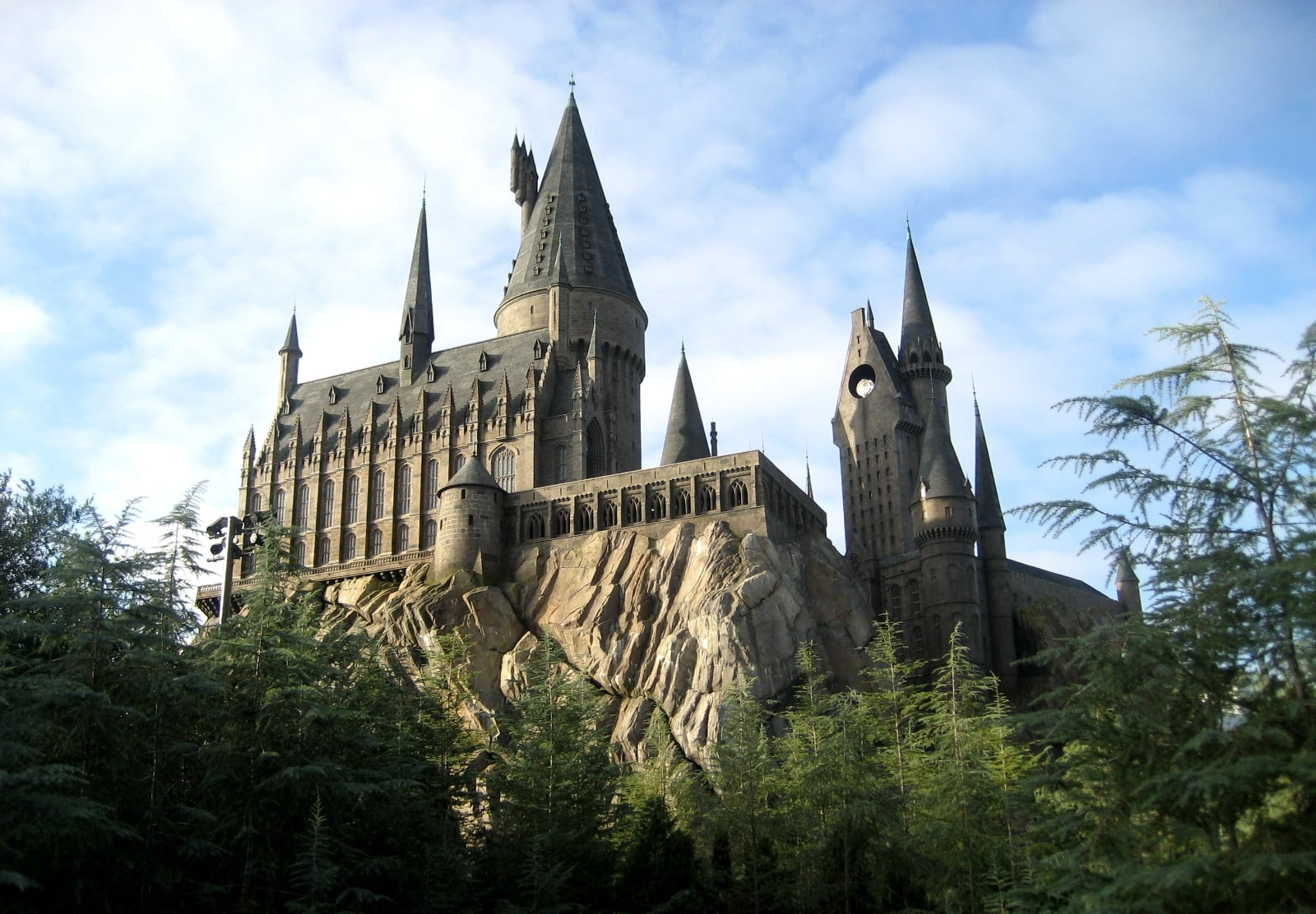 PopsugarCultureJk RowlingJ.K. Rowling Says We All Went to Hogwarts TogetherJ.K. Rowling's Latest Message About Hogwarts Will Reduce You to Tears June 24, 2015 by Brinton Parker1.3K Shares Chat with us on Facebook Messenger. Learn what's trending across POPSUGAR.Source: Flickr user zhaoangelaIf your 11th birthday came and went without any sign of an owl, you might have cried yourself to sleep that night — and you're not the only one, because that's what millions of other Harry Potter fans did. The distress that comes with not receiving a Hogwarts acceptance letter is something that every series devotee feels in one form or another, and plenty of Potterheads have taken to lamenting about it on Twitter. When author J.K. Rowling caught wind of this mass depression, though, she didn't simply tell Harry Potter readers to suck it up; she gave them an incredible gift. .@m_abs All these people saying they never got their Hogwarts letter: you got the letter. You went to Hogwarts. We were all there together.— J.K. - 웹