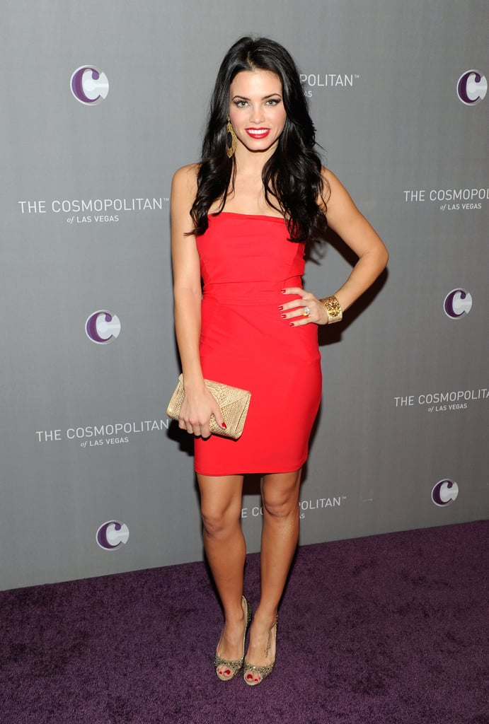 Jenna Dewan matched her pout to her pretty red minidress.