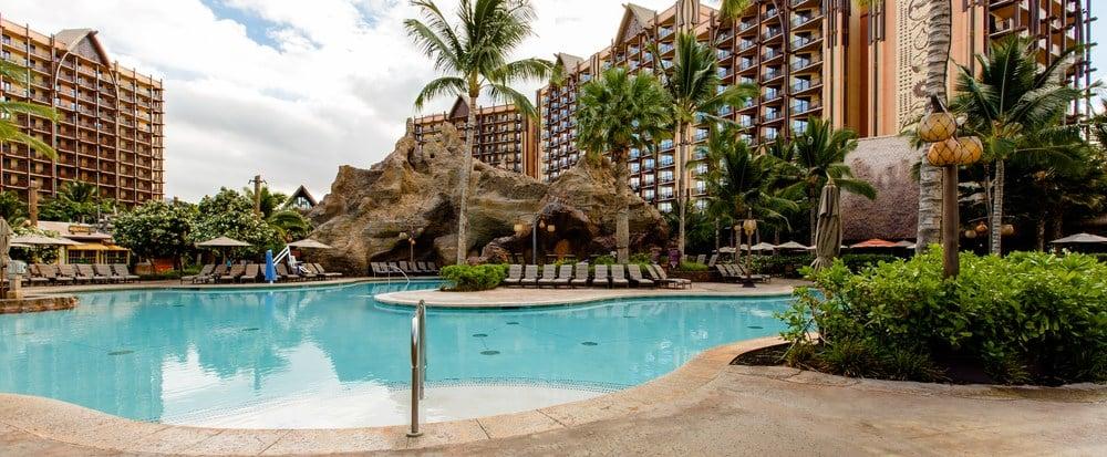 Splash in Waikolohe Pool