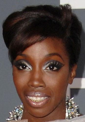 Estelle at 2009 Grammys