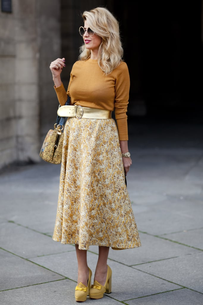 A coordinating palette of warm yellow and mustard looked felt cheerful on this fashion-lover.