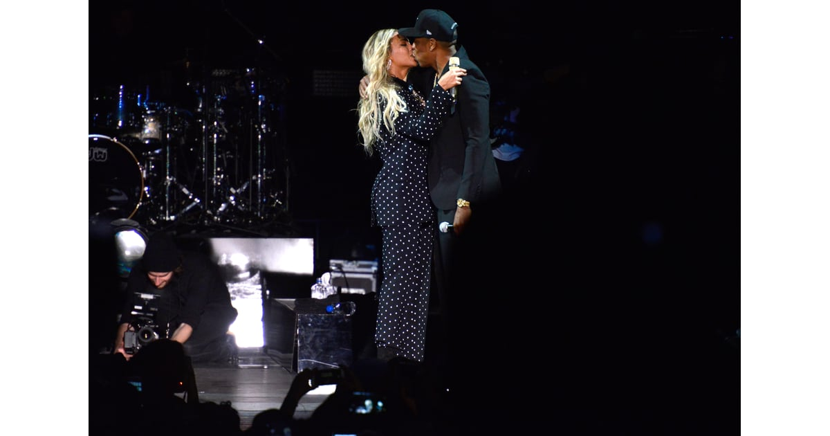 beyonce knowles and jay z at hillary clinton concert 2016 popsugar celebrity photo 14. Black Bedroom Furniture Sets. Home Design Ideas
