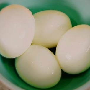 Sugar Shout Out: Learn How to Make Egg-cellent Hard-Boiled Eggs