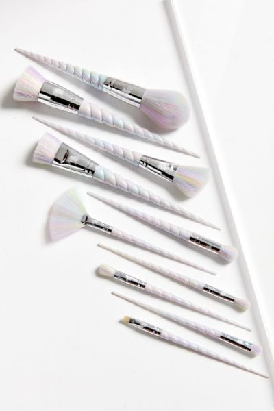 another one of those makeup brush sets