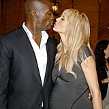 Seal and a very pregnant Heidi pucker up at the 2005 CFDA Fashion Awards.