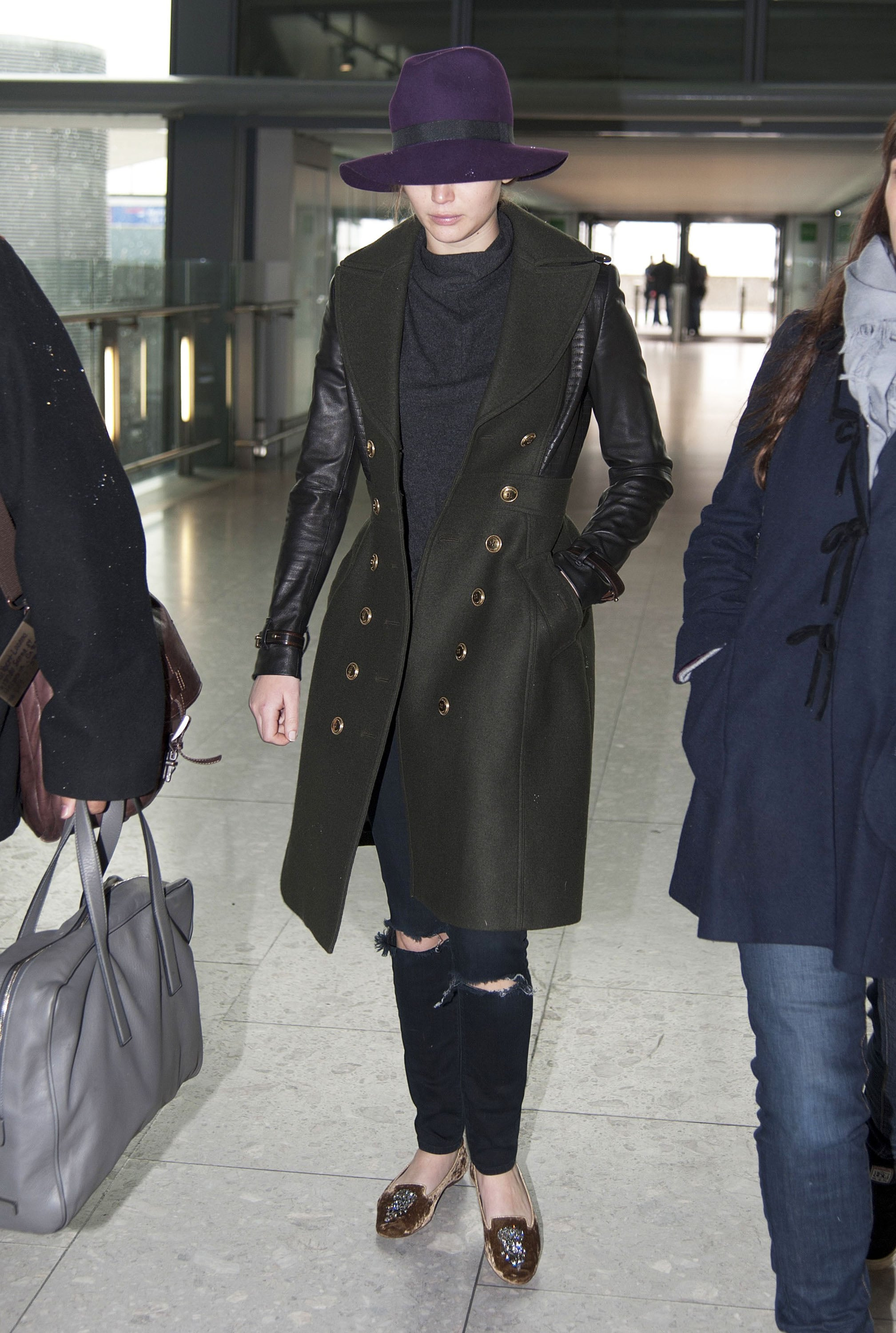 Jennifer Lawrence Gets the Giggles While Flying Home With Her Teddy