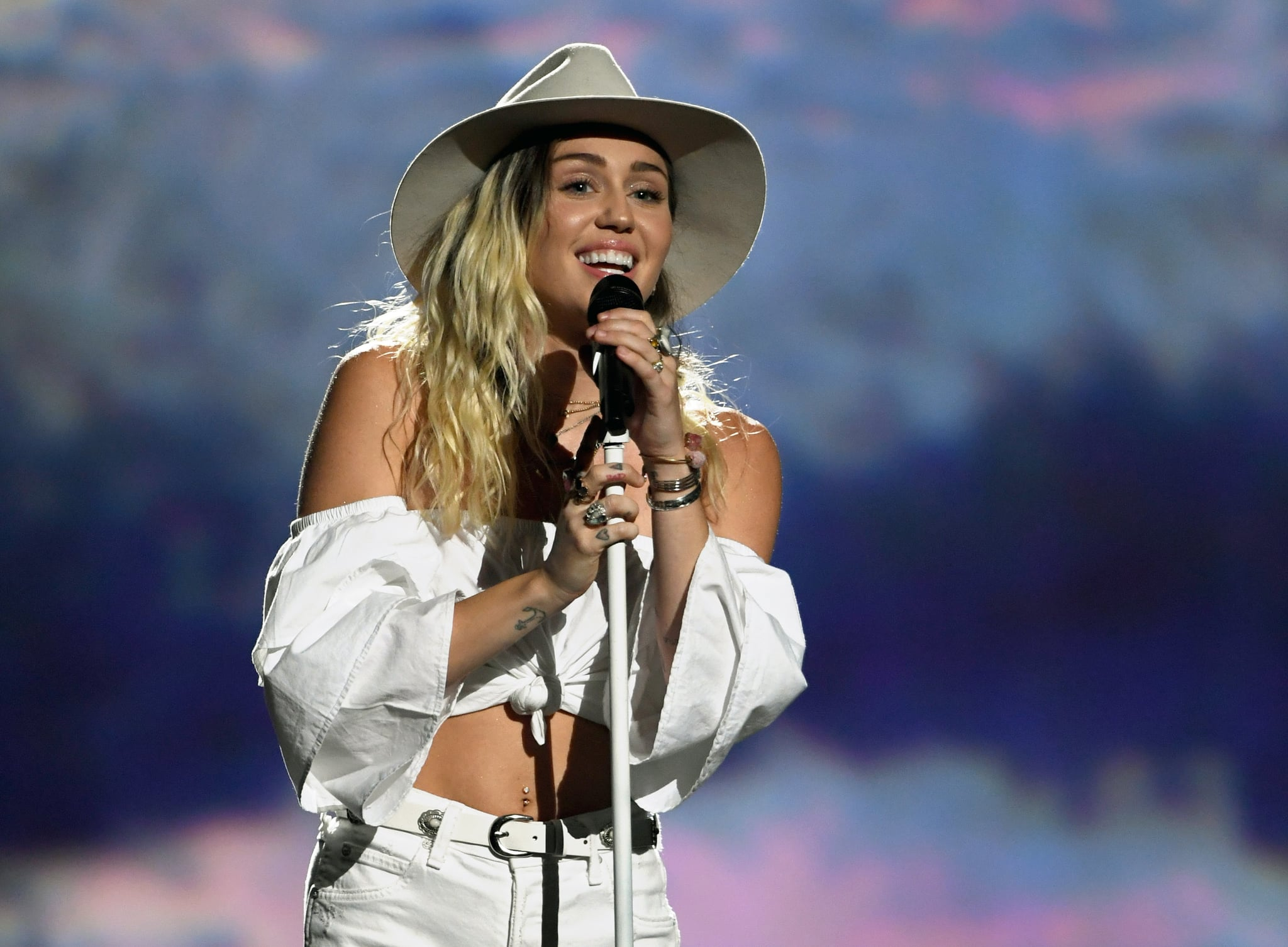 Miley Cyrus Apologizes For Absence From 2017 Teen Choice Awards
