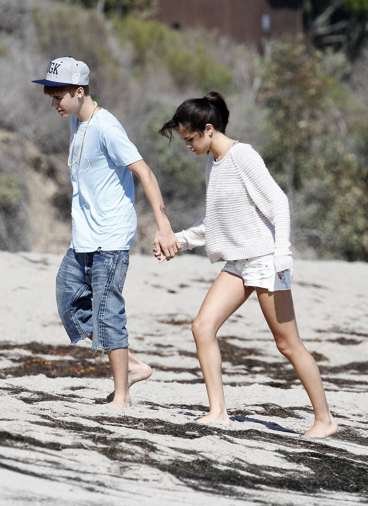 justin bieber and selena gomez kissing on the beach