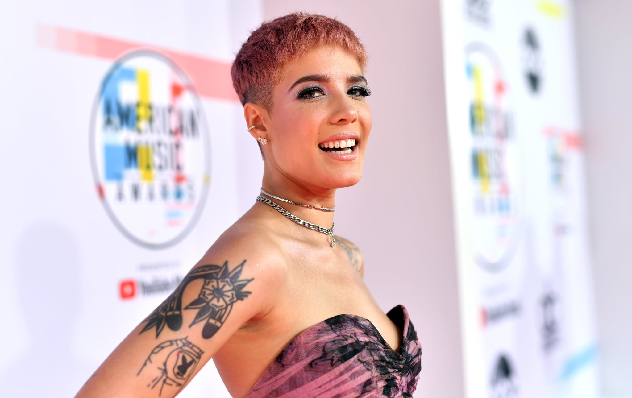 LOS ANGELES, CA - OCTOBER 09: Halsey attends the 2018 American Music Awards at Microsoft Theatre on October 9, 2018 in Los Angeles, California.  (Photo by Emma McIntyre/Getty Images For dcp)