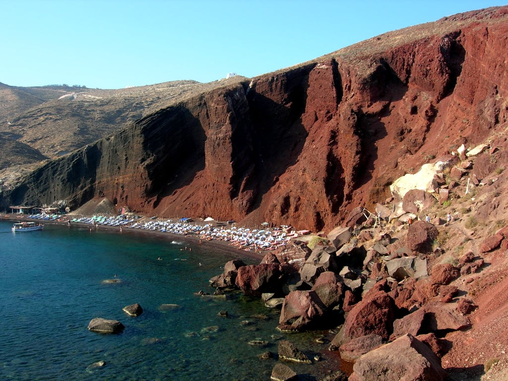 The equally popular Red Beach has a strip of reddish volcanic sand, which is gorgeous against its blue-green shore. This spot is great for swimming and lounging with cafes along the beach.