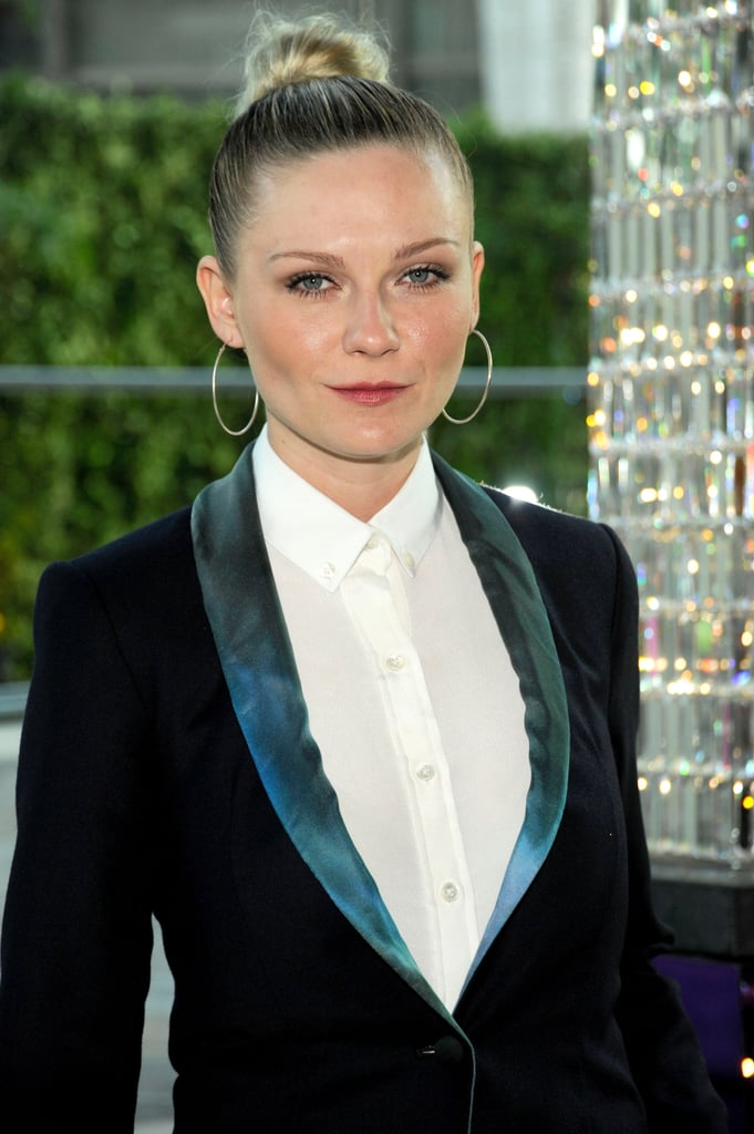 Kirsten swept her hair back into a slick bun with a subtle smoky eye at the 2011 CFDA Fashion Awards.